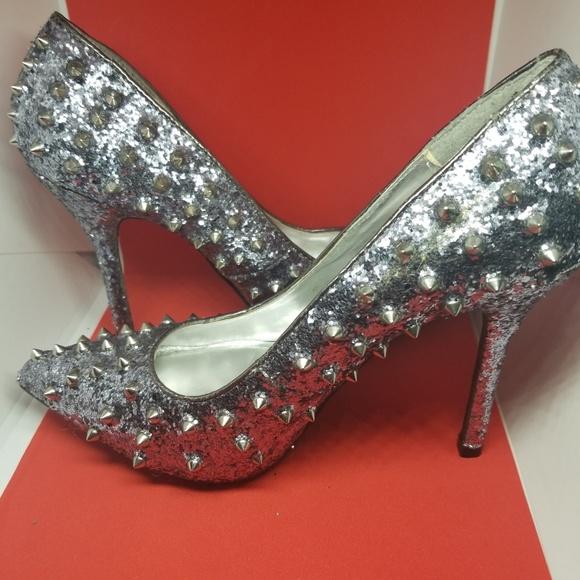 2adfe9443b7c Steve Madden Shoes   Studded Silver Glitter Heels Sz 65   Poshmark